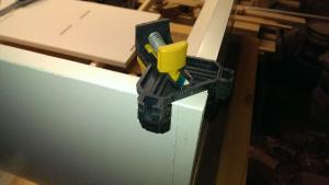 Montagehilfe Eckspanner