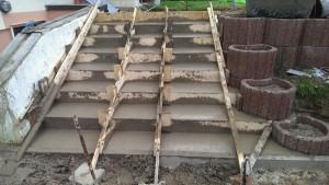 Betonieren einer Treppe Betoniert