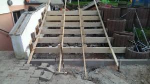 Betonieren einer Treppe Einschalen